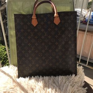 Louis Vuitton Sac Plat with liner!